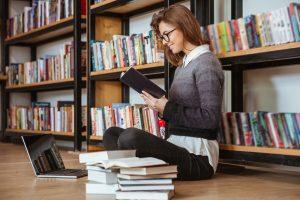 איך כותבים סקירת ספרות? – הדרך הקלה לכתוב סקירת ספרות